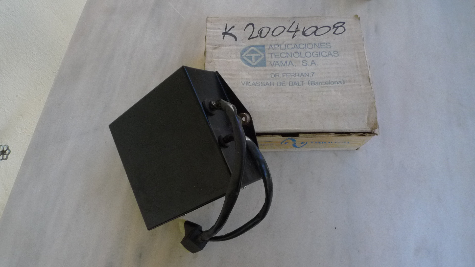K2004008 1