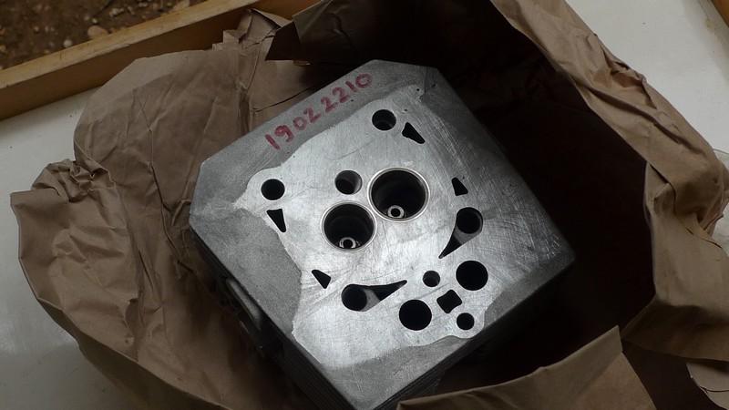 V35 50 LCylinderHead2